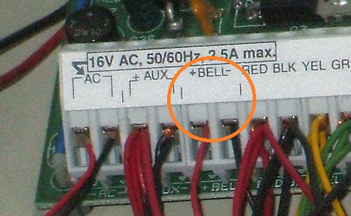 Siren terminals, marked as 'Bell' on DSC panels