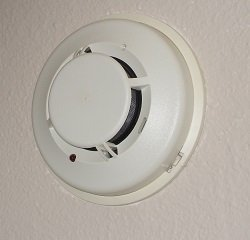 Low-voltage smoke detector - Home alarm system monitoring