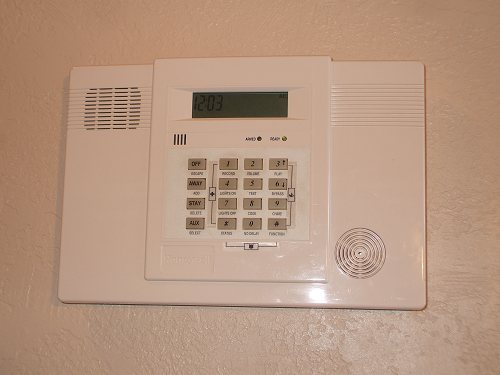Ademco Lynx All-in-One Alarm System
