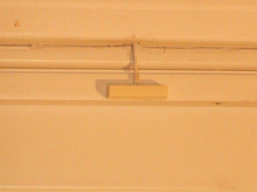 Magnetic door switch mounted