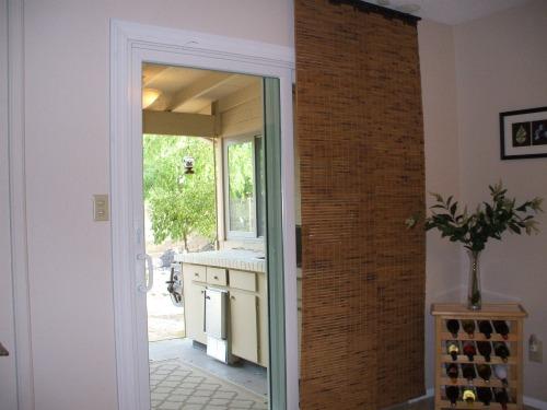Magnetic door switch sliding door